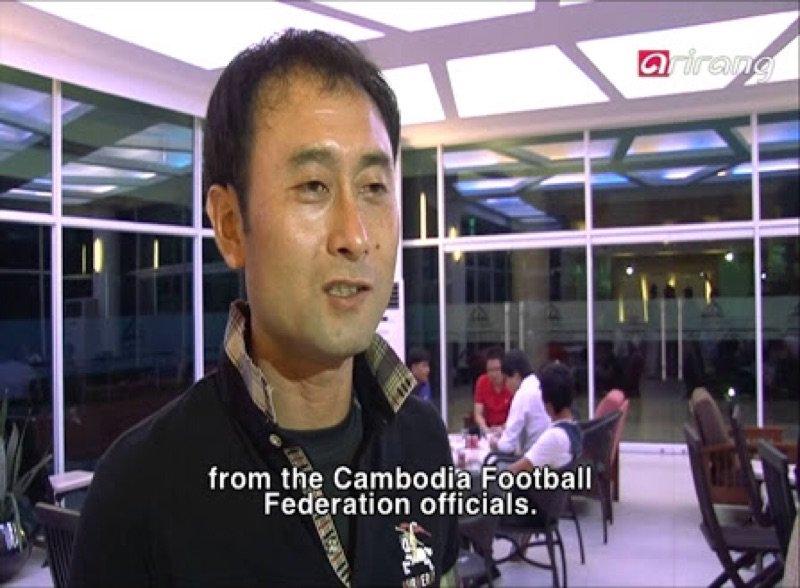 サッカーカンボジア代表の監督の話になって改めてみたけどやっぱこれ蕎麦さんでしょ https://t.co/akWrb3krIu