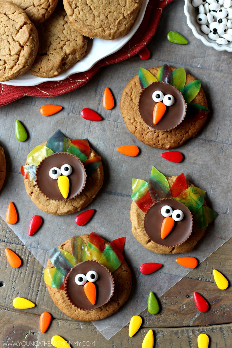 Sweeten up your Thanksgiving dessert table with these Fruity Feathered Turkey Cookies!  https://t.co/HPCdDyYvcY https://t.co/77MRJAtf5i