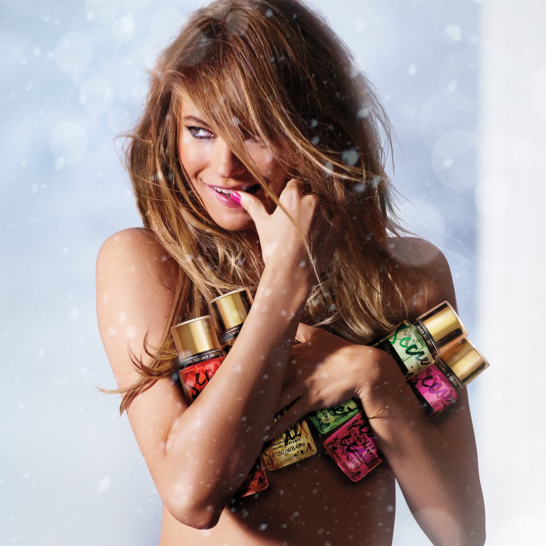 Limited-edition #VSFantasies for the holidays…AKA the perfect stocking stuffer: https://t.co/3nmLK1DxYy https://t.co/1hQhskv3n8