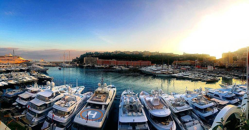 Today view isn't bad.. Monaco #travel #travelpics #travelphotos #instatravel #Monaco #mont… https://t.co/ix4VPo3VNL https://t.co/mcND8icPOq