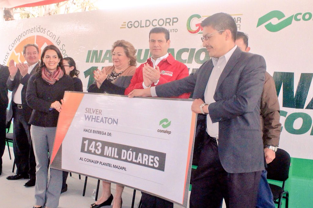 A través del departamento de responsabilidad social de GoldCorp se hizo entrega de apoyo económico a Conalep Mazapil https://t.co/iZjX52aDEu