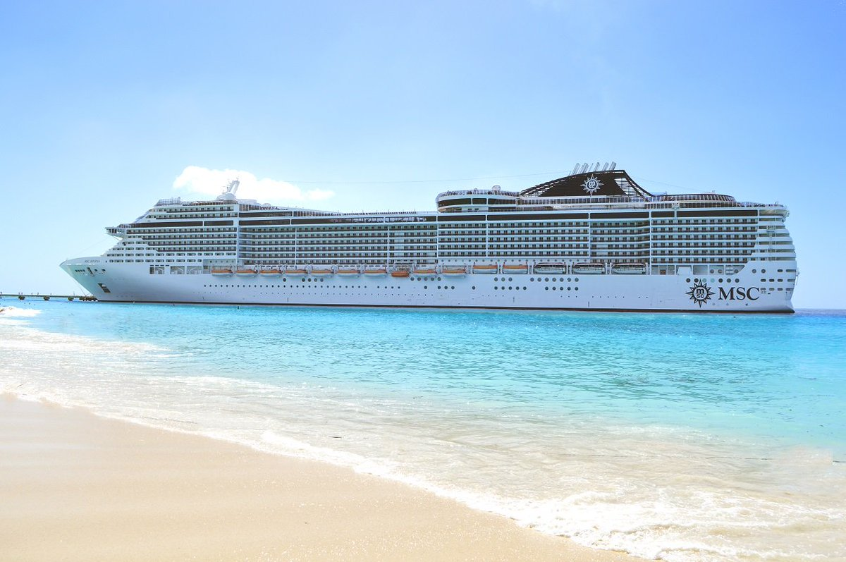 A6. This is one of our favorite views of #MSCDivina from Grand Turk! #CruiseChat https://t.co/NxArlpQsr0