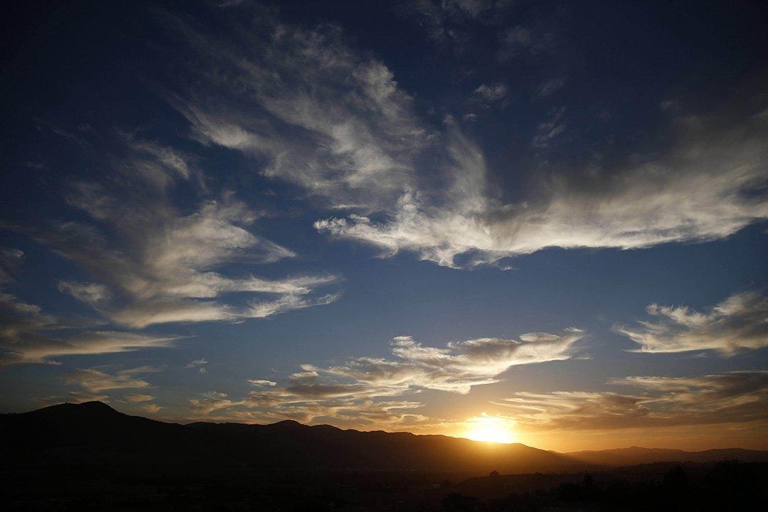 RT @FergusonCrest: #HappinessIs… enjoying another beautiful #SantaYnez #sunset w/ a bottle of #FergusonCrest.???????? https://t.co/xcE0X8phhT htt…