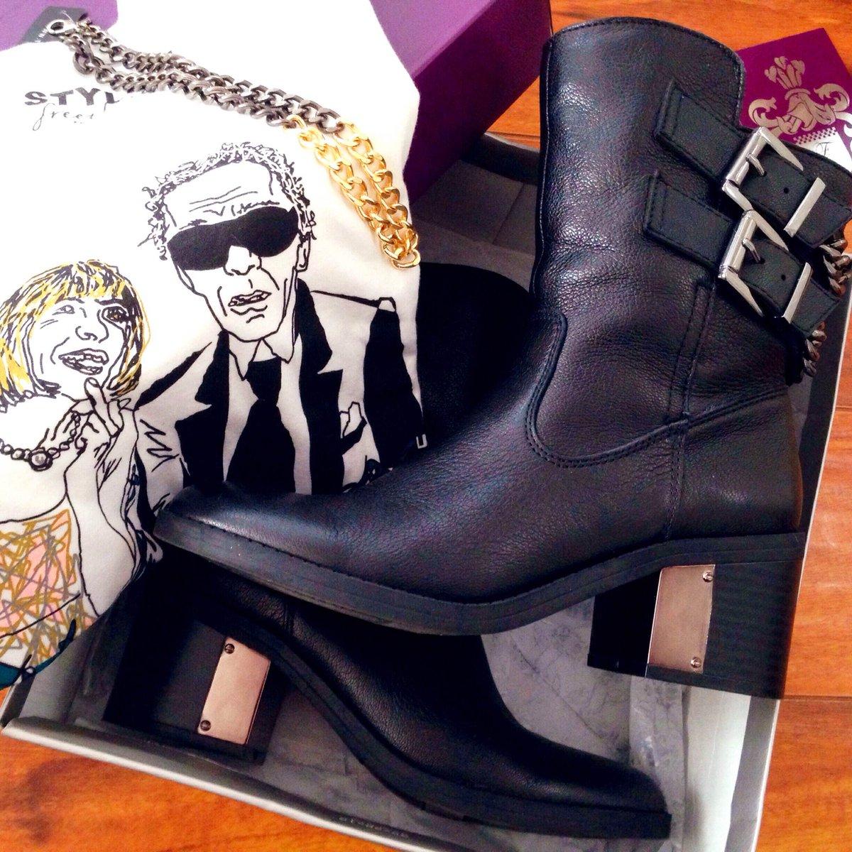 RT @FergieFootwear: #StylishFreethinker...SAVE 20% on #FergieFave WISTFUL #boots thru 11/26!#bootsale #motoboots https://t.co/hFQT90zRrR ht…