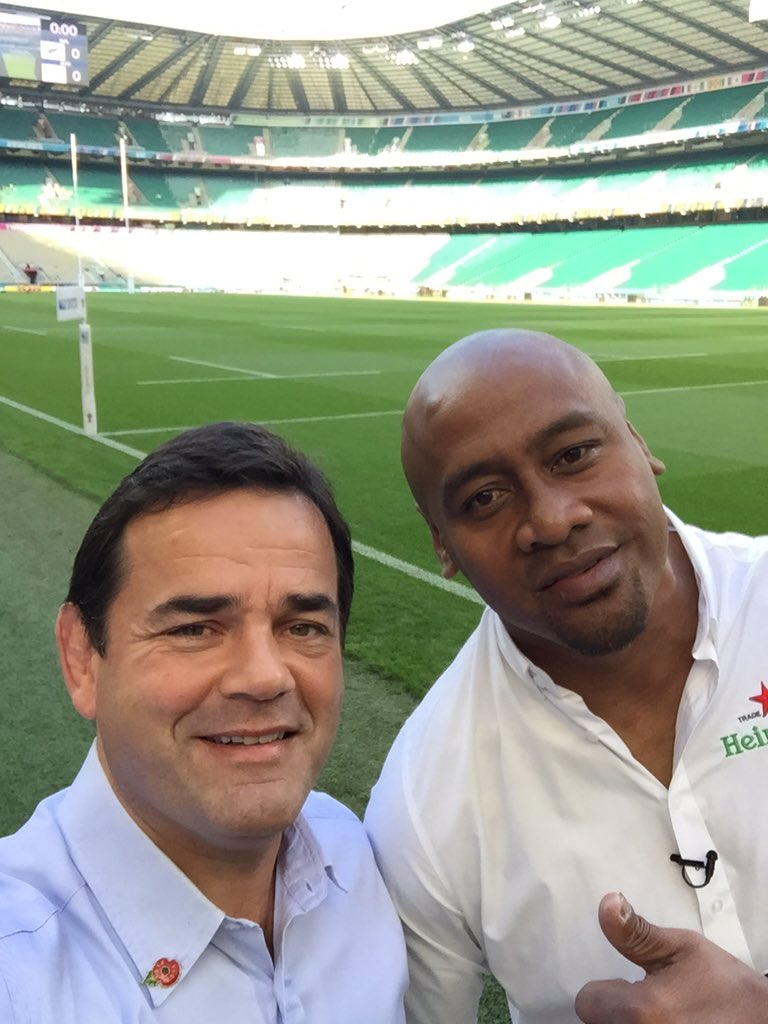 Just before RWC Final with the great man. Rest easy Legend. Gentle off the field, awesome & unstoppable on it https://t.co/l9VX57rvuV