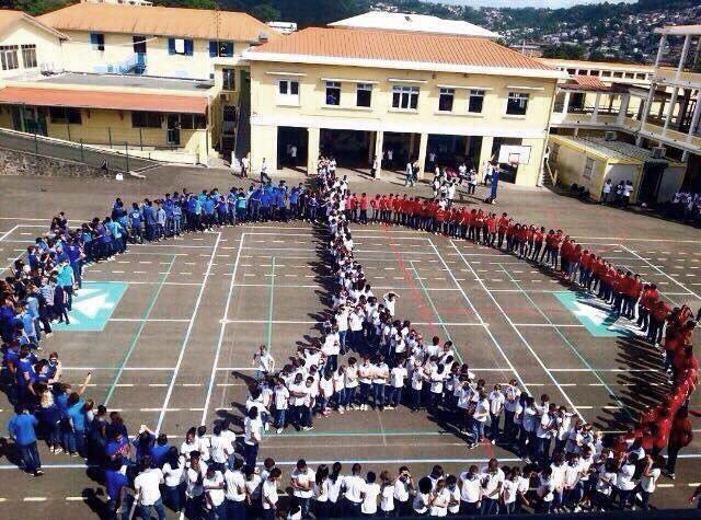 À Fort-de-France #Martinique / https://t.co/8l9MY26bW6 https://t.co/bKDgefdfFk