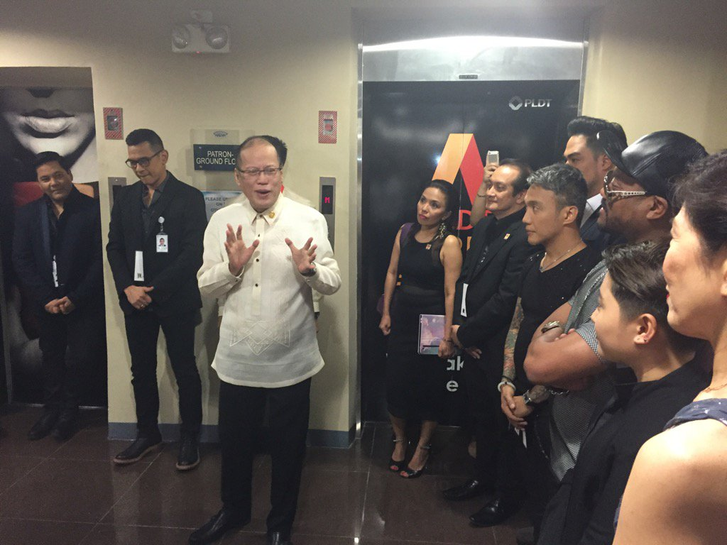 """Break a leg"" and do the country proud, President tells tonight's artists for APEC dinner https://t.co/UuKgGQQmwv"