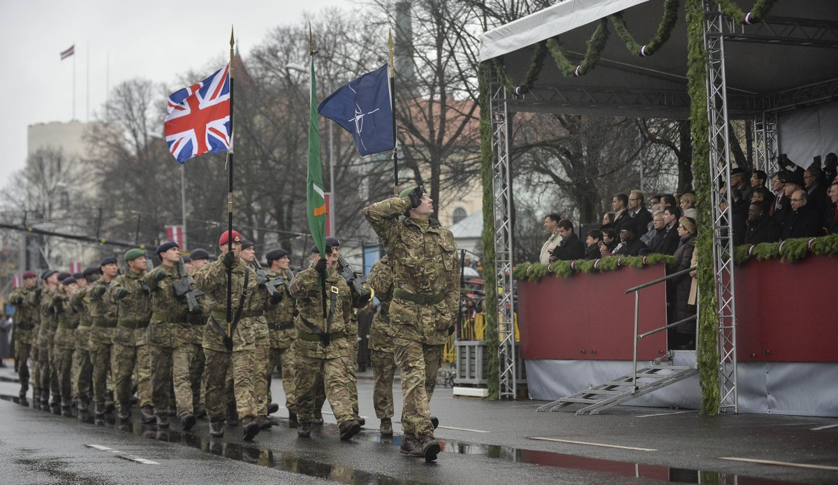 A proud day for HQ ARRC troops & The Kings Division Band – Latvian Independence Day parade. @Latvijas_armija @NATO https://t.co/rja6Xp4khO