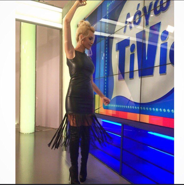 Κάντε RT κ μια τυχερή απο εσάς θα κερδίσει το φόρεμα μου @Lynne_World by #katerinakainourgiou #logotivis