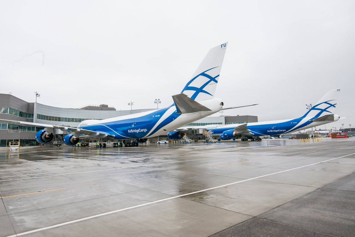 RT @BoeingAirplanes: We've reached a jumbo milestone with the 100th delivery of the 747-8. Photos: Boeing https://…