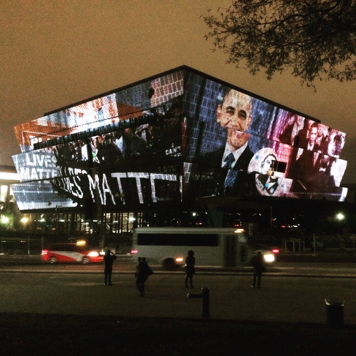 National Museum of African American History and Culture last night. Have you donated to it yet? @NMAAHC https://t.co/jRnNBXerQr