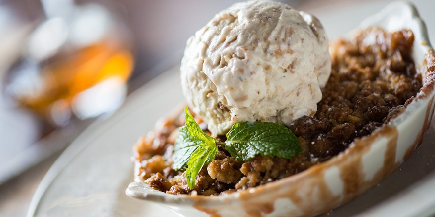 Sweeten up the #holidays with our Banana Berry Rum Macadamia Nut Crumble! #HolidayMenu! https://t.co/deHtsRDiqV https://t.co/zzdGb0BJa2