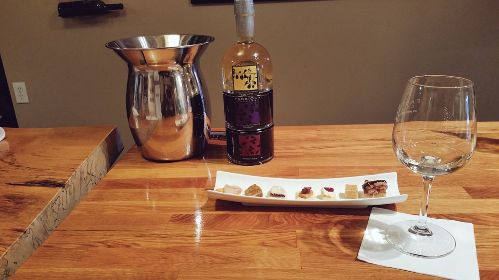 Rediculous good food pairing with #winetasting at @FabbioliWines w/@DistrictWino & @VisitLoudoun https://t.co/nslNCSOss5
