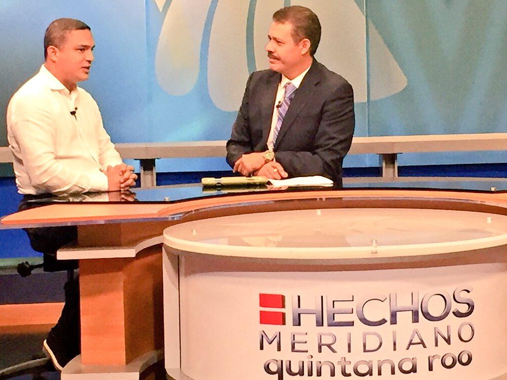 En entrevista en el estudio con @jmartinsamano el presidente del PRI en Quintana Roo @raymundoking https://t.co/eNta26Bu8e