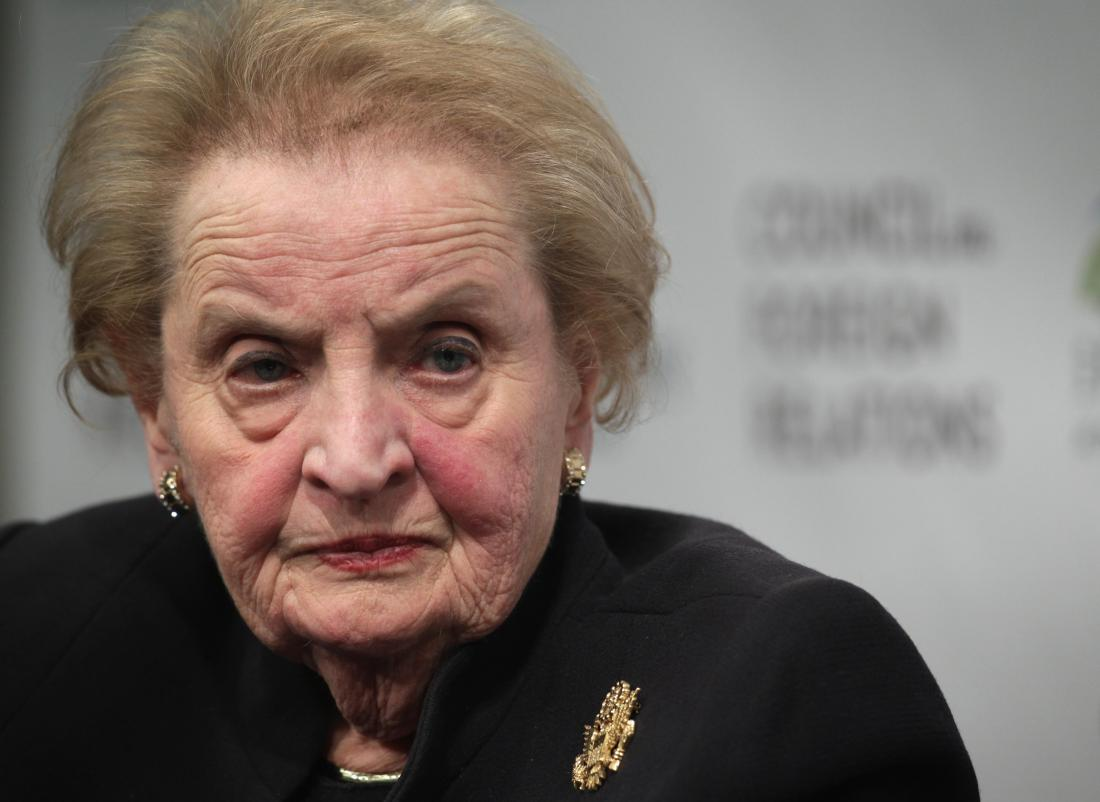 An open letter from a refugee. Oh, and that refugee happens to be Madeleine Albright. https://t.co/trCAVakAGJ https://t.co/wMuTx94Qwy