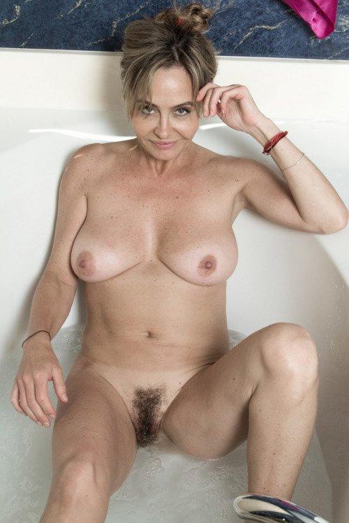 Смотреть бесплатно фото волосатые голые бесплатно