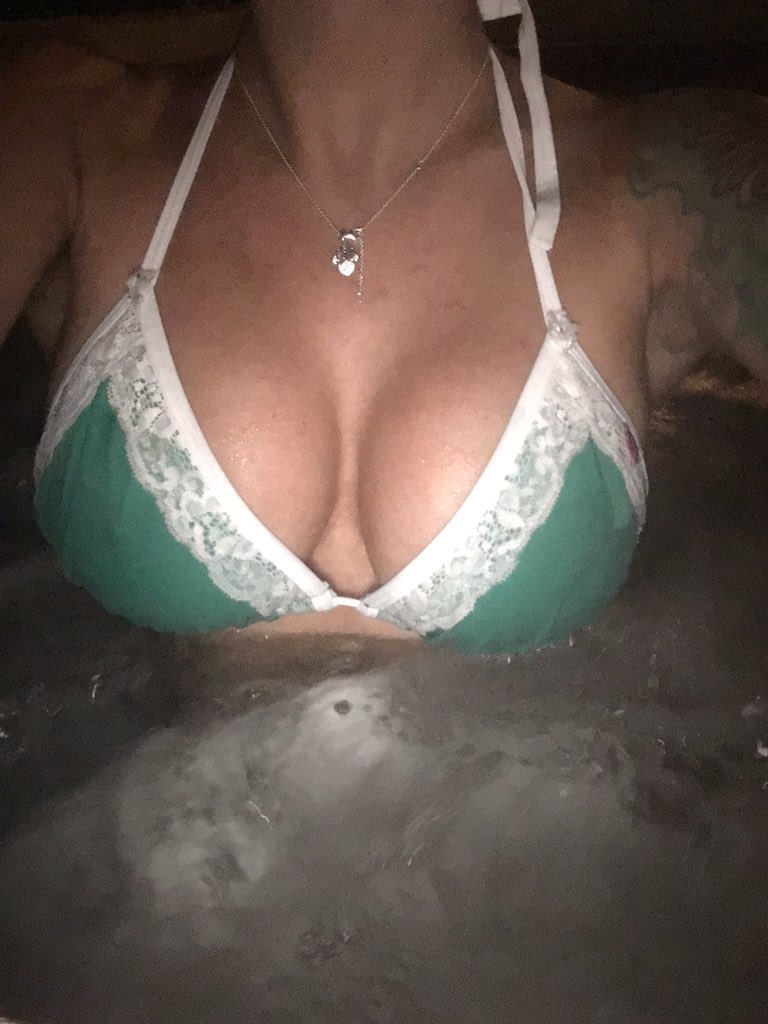 Hot Tubbing before I go to #SanDiego to dance Deja Vu Showgirls on Friday & on Saturday.