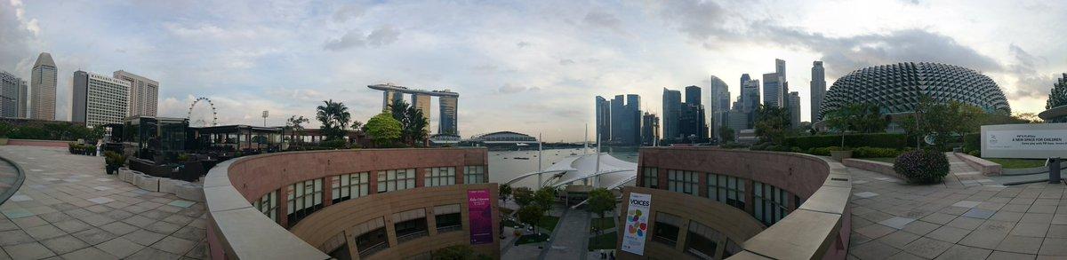 #while42 Singapour, temps clair, température agréable, cela commence bien. Viendez les amis https://t.co/Z8vO526Ush