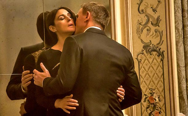 India censors James Bond's kisses in Spectre: