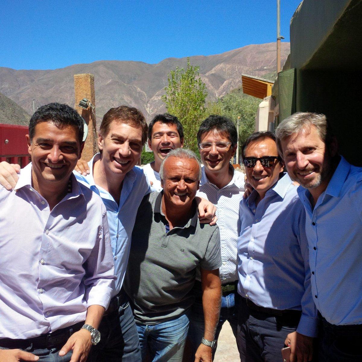 Camino a Humahuaca! Hoy todos con @mauriciomacri!  #YoCambio https://t.co/iZSU5ko4Ei