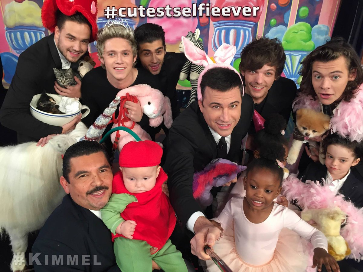 .@OneDirection is on #Kimmel tonight! #TBT to the #cutestselfieever! #ThrowbackThursday https://t.co/60QeLHqEzE
