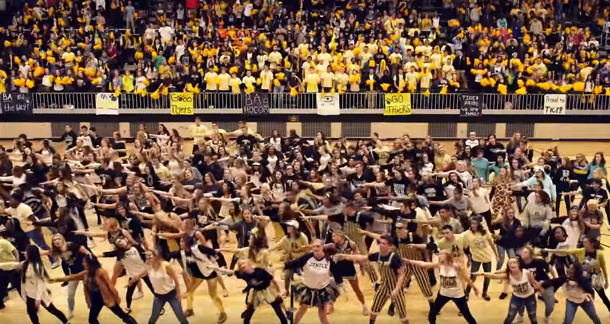 .@BAHSTigers put together a lip dub video that's going viral! Check it out: https://t.co/ZDfaceDBmW https://t.co/fuMd8WKHEv