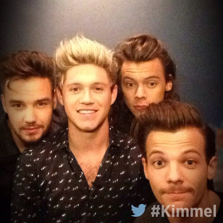 Backstage at #Kimmel - NEW show tonight with @OneDirection #MadeInTheAM 11:35|10:35c #ABC https://t.co/3SRS5FL49m