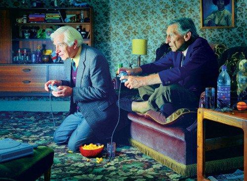 """""""No dejamos de jugar por hacernos viejos. Nos hacemos viejos porque dejamos de jugar"""" Feliz Día del Niño #DiadelNino https://t.co/NZDLIcipO5"""