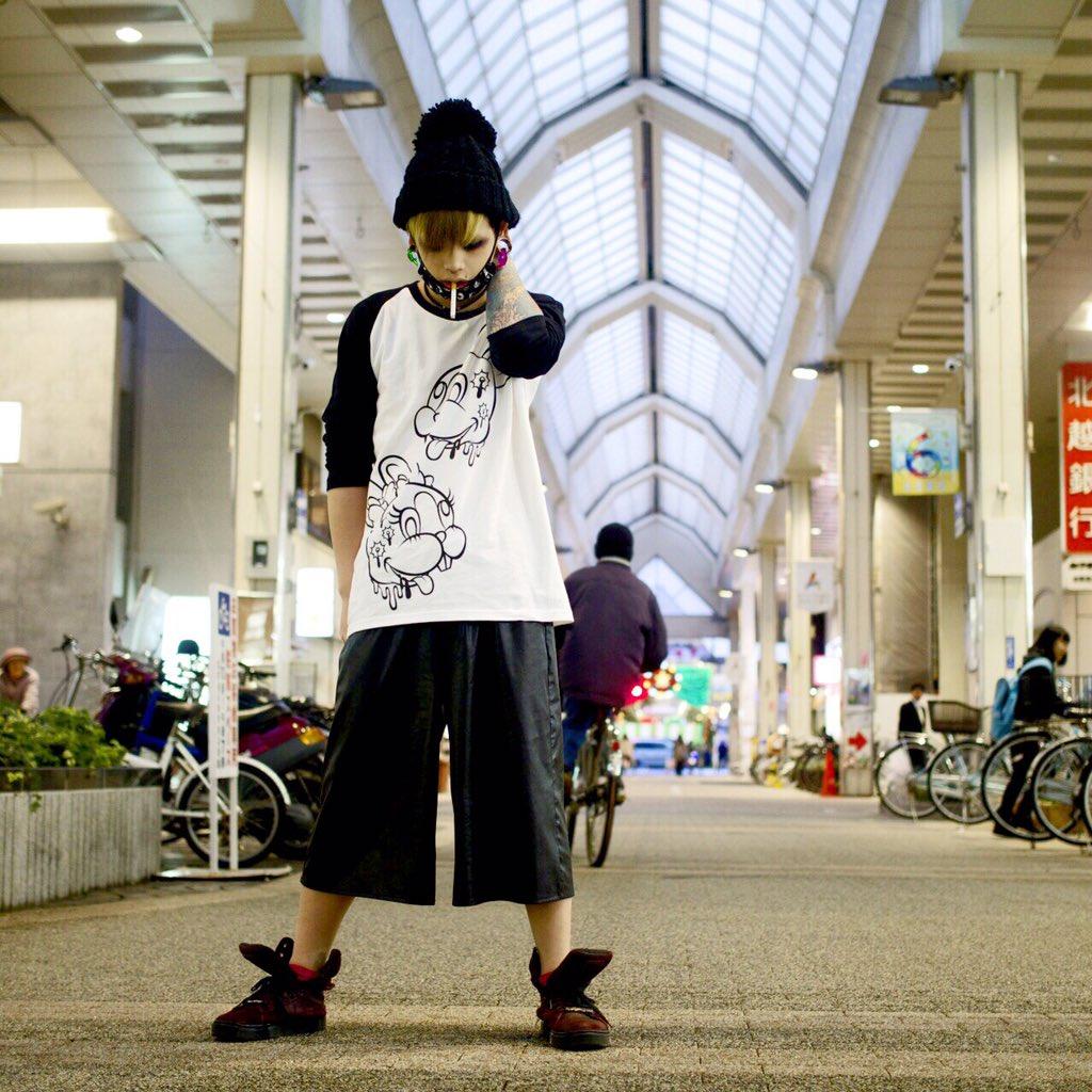 メトちゃんかわゆす。RT @MEJIBRAY: 新潟R.I.Pにてインストアイベントありがとうございました!本日恋一さんとメトさんが着用していましたラグランロンTは明日の先行物販より発売致します!メトさん着用写真はこちら! https://t.co/J8pkzlGP6K