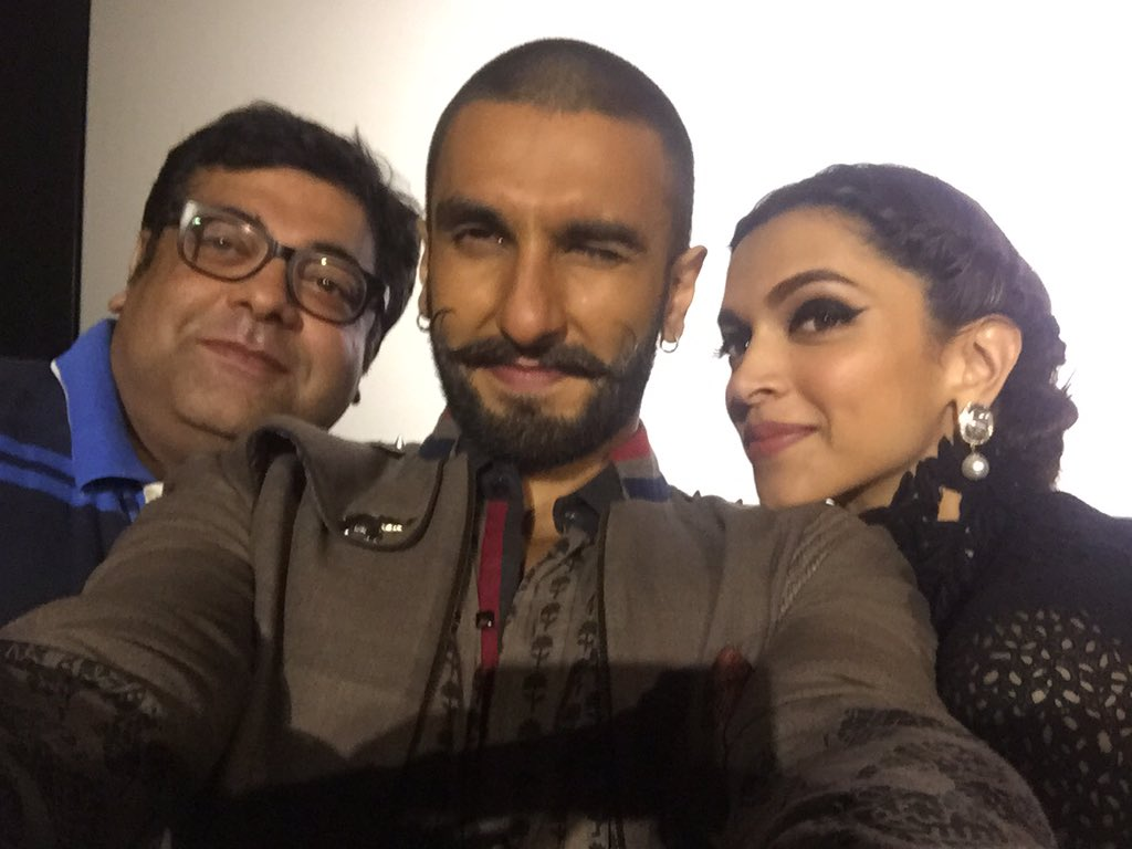 It was lovely interacting wth @deepikapadukone @RanveerOfficial ..thanks for being so candid #BajiraoMastaniTrailer https://t.co/96HGqqCS3T