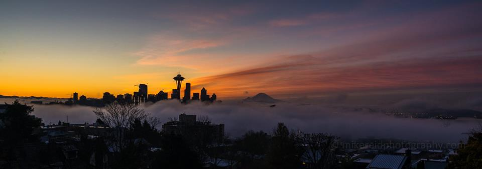 Wow, check out the view from Kerry Park this morning - fog & sunrise by Mike Reid Photgraphy https://t.co/3UB4H0txZz https://t.co/Ib80zBd2TU