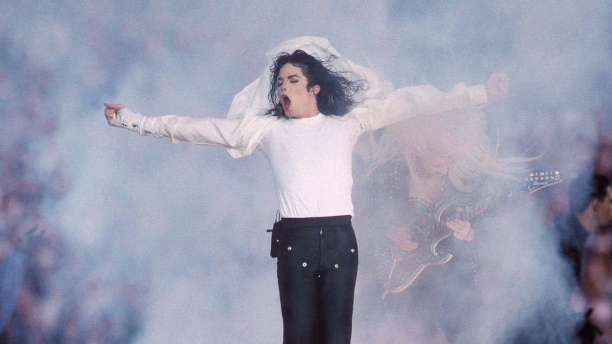 Is Michael Jackson Challenging Adele's '25' From The Afterlife?