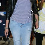 RT @aishwaryavalli3: Stylish Queen @shrutihaasan Spotted At Airport !! OMG How ROcking She IZ As Always !! https://t.co/vtRs9EXUz1