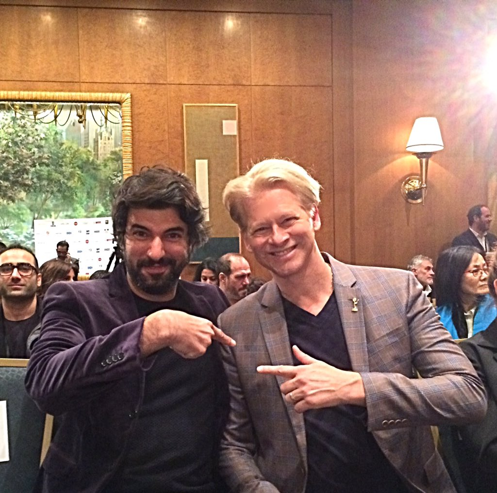 With @iemmys #bestactornominee #EnginAkyuerek at the #MedalCeremony for you @sln_ea https://t.co/pQekFJzLfW