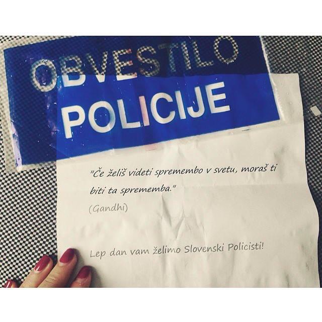 Kolegica je danes napacno parkirala in dobila tole sporocilo od @policija_si ... #podpiramstavko! https://t.co/GH9rezEUii