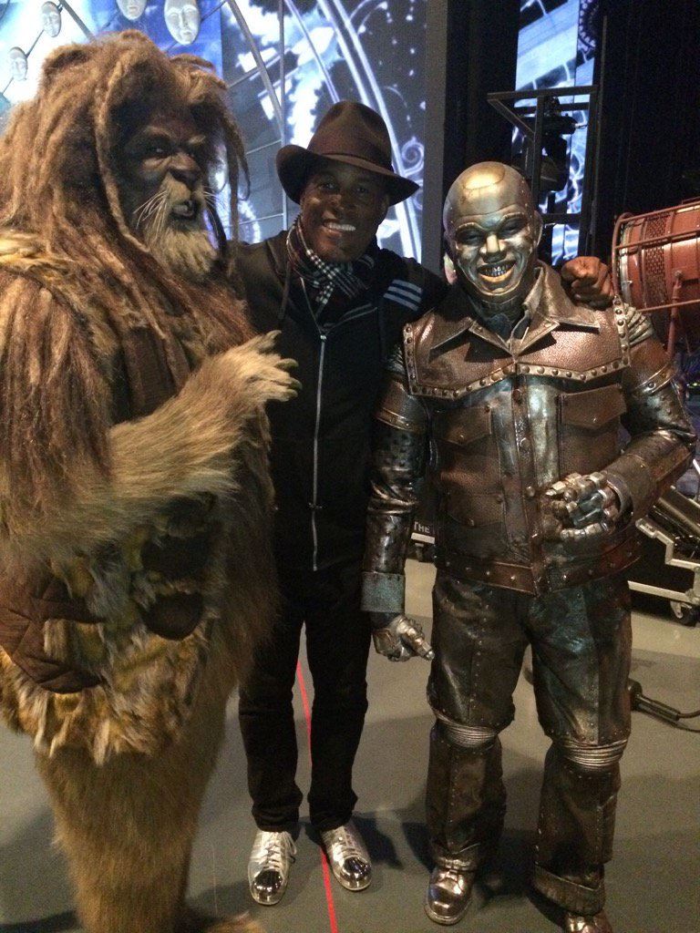 A directors dream! The incredible David Alan Greir and NE-YO!!!!!Dec 3..8pm NBC https://t.co/M2dyQWFqPO