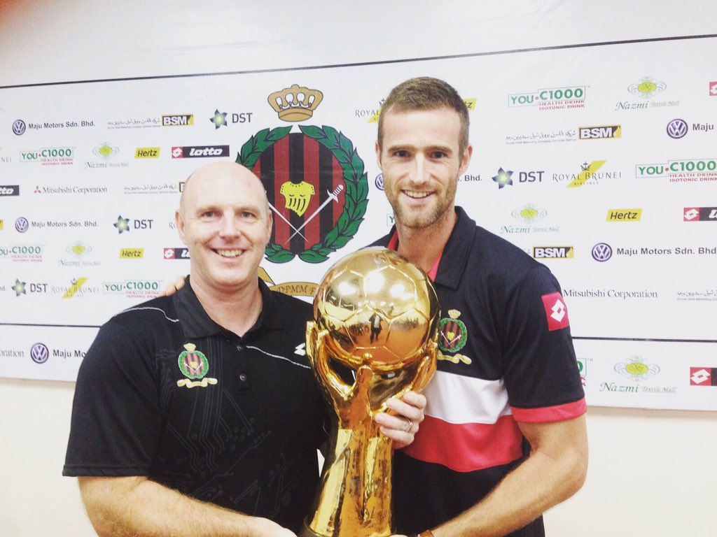 Steve Kean and Brian McLean after winning the S-League with Brunei DPMM FC #ViolaFC https://t.co/B0mMcGPbKi