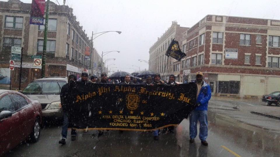 Alphas in Chicago are in the streets, marching against violence, living our mission. #AphiA #MissionFocused https://t.co/8V1MLCk8ZD