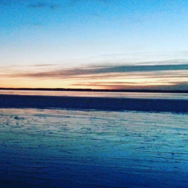#natureporn #lake #sunset #beautyandthelake #alberta #yegwx #yegtraffic https://t.co/hsUbELtlDi