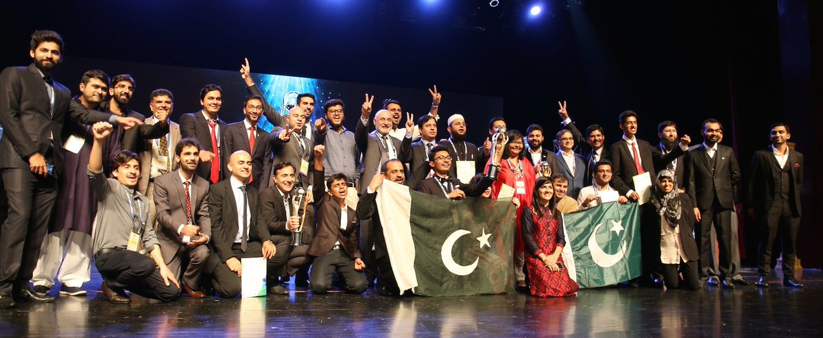 Feeling so proud of @PASHAORG Team Pakistan performance at #APICTA2015. This is the image we want to portray. #tech https://t.co/VeWHPLnIFg