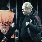 Mustafa Denizli, 23 yıl sonra Galatasarayın başında tekrar bir gole sevinirken https://t.co/jcFNkXWbNC