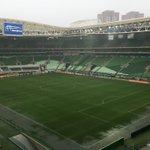 Aparentemente, a drenagem do gramado do Allianz Parque funciona bem - Palmeiras x Coritiba #Brasileirão2015 https://t.co/7ZpWiqSVmo