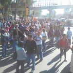 #AlertaVial Maestros se alistan en inmediaciones del @IEEPOGobOax para salir en marcha rumbo al Zócalo #Oaxaca https://t.co/LJNhnKfX5b