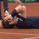 Andy Murray falls to the floor as his GB teammates pile on...  https://t.co/dMfBVa6NVQ #DavisCupFinal https://t.co/nbPaEm8Poi