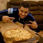 """قدمت """"دومينوز بيتزا"""" البيتزا الرسمية لنادي #الهلال وجبة للاعبي الفريق الأول؛ بعد نهاية مرانهم اليوم. @DominosKSA https://t.co/sHi4icxewj"""