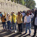 Inicia marcha del magisterio hacia el Zócalo de #Oaxaca, al frente Rubén Nuñez Ginez https://t.co/XU7ar6iqvd