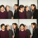 Louis e Harry interagindo como antigamente, isso é sonho? Eu não quero acordar #MTVStars One Direction https://t.co/5wW2SCAfgZ