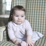 ROYAL BABY IS GROWING UP! Kate takes pics of Princess Charlotte https://t.co/XhltbOBMg3 https://t.co/fC5jzPUbrH