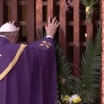 """#PopeInCAR: """"Today, in this spiritual capital... we begin the Holy Year"""" @Pontifex opens holy door. Pic via CTV https://t.co/URxf1WAsvm"""