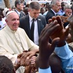 #PopeInCar: Scenes from the visit of Pope Francis in Bangui @Pontifex @AFPphoto @cacaciotti https://t.co/laNldsiFB1